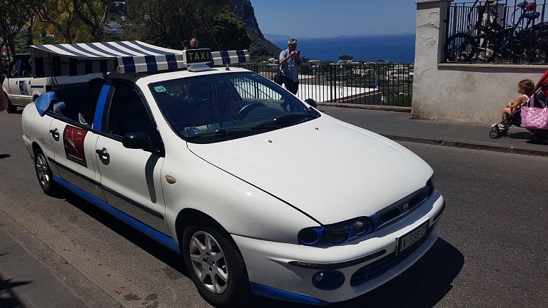 22-Los taxis de Capri son diferentes...